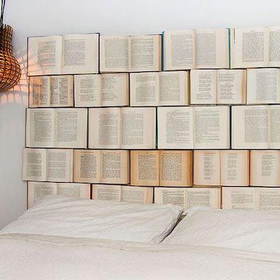 testata letto con libri
