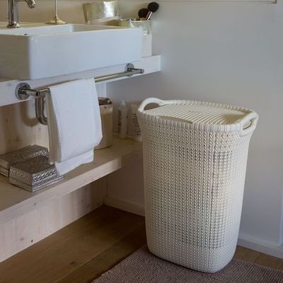 cesta portabiancheria plastica