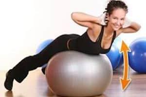esercizi addome palla fitness