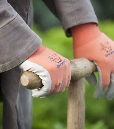 guanti giardinaggio protettivi