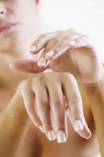 idratazione mani olio rosa mosqueta