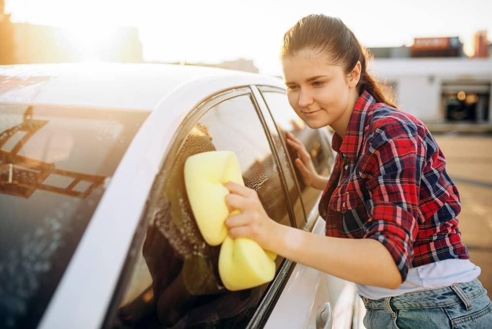 pulizia esterna auto