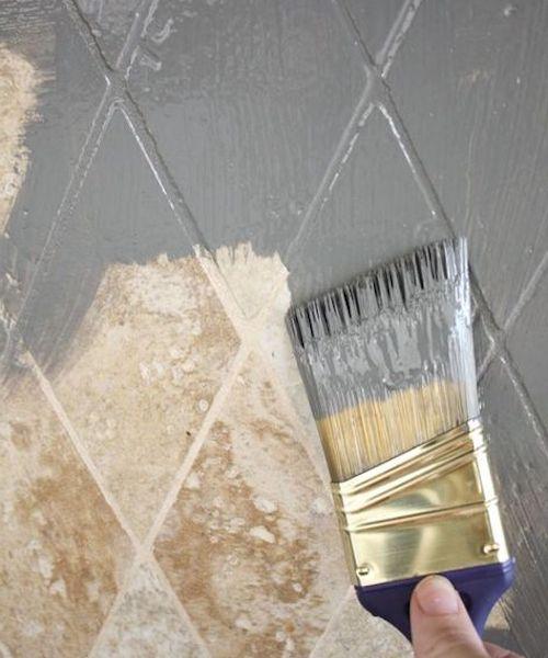 vernice piastrelle bagno