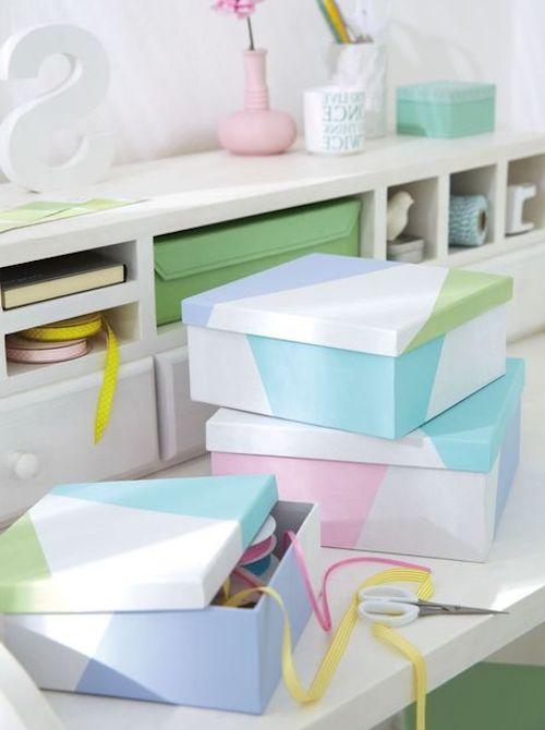 scatole colorate a mano